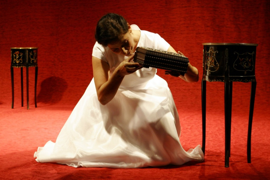 cena do espetáculo Bailarina, do repertório do Grupo Sobrevento